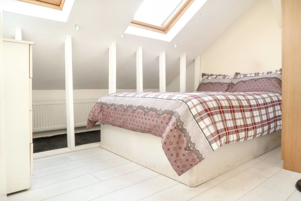 image 2 furnished 1 bedroom Apartment for rent in Plaistow, Newham