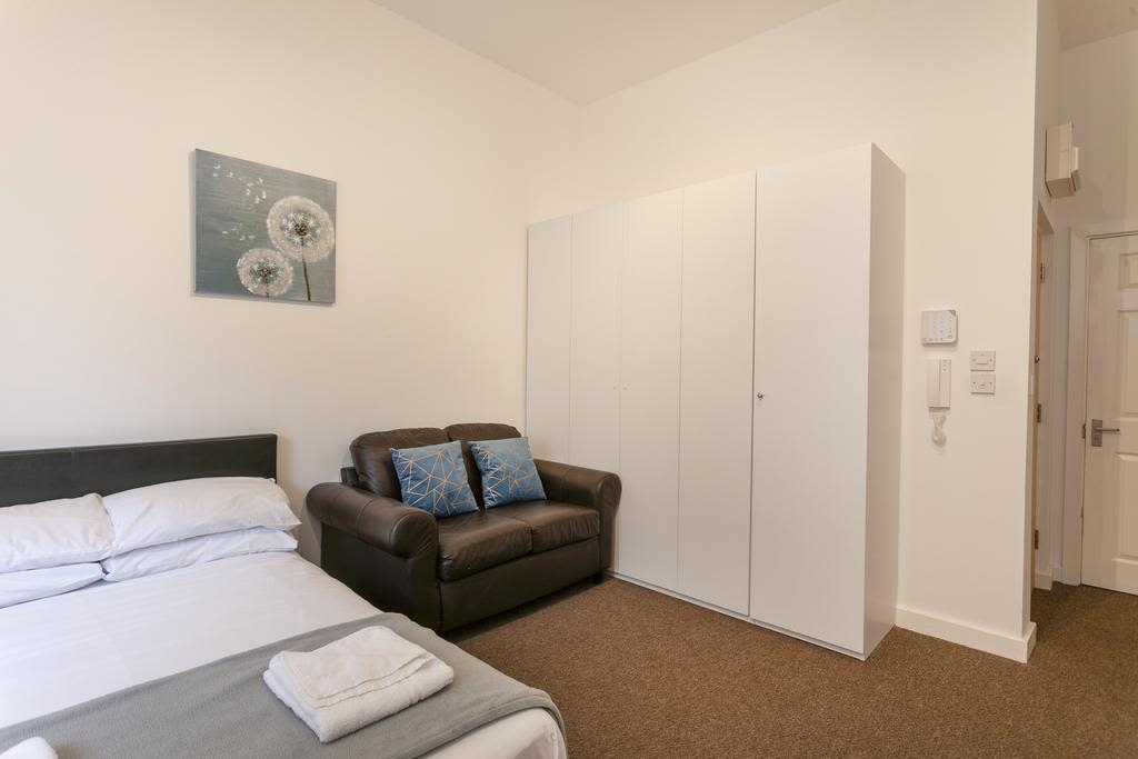 image 1 furnished 1 bedroom Apartment for rent in Sefton, Merseyside