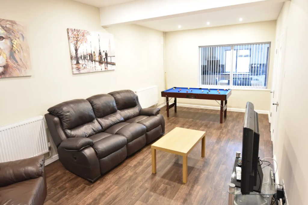 image 3 furnished 4 bedroom Apartment for rent in Stoke, Coventry
