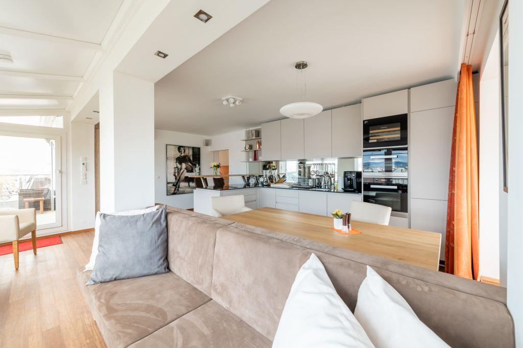 image 7 furnished 3 bedroom Apartment for rent in Josefstadt, Vienna