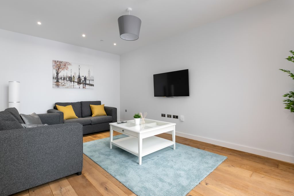 image 5 furnished 3 bedroom Apartment for rent in Greenwich, Greenwich