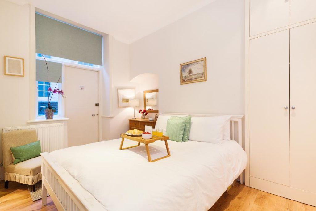 image 3 furnished 2 bedroom Apartment for rent in Chelsea, Kensington Chelsea