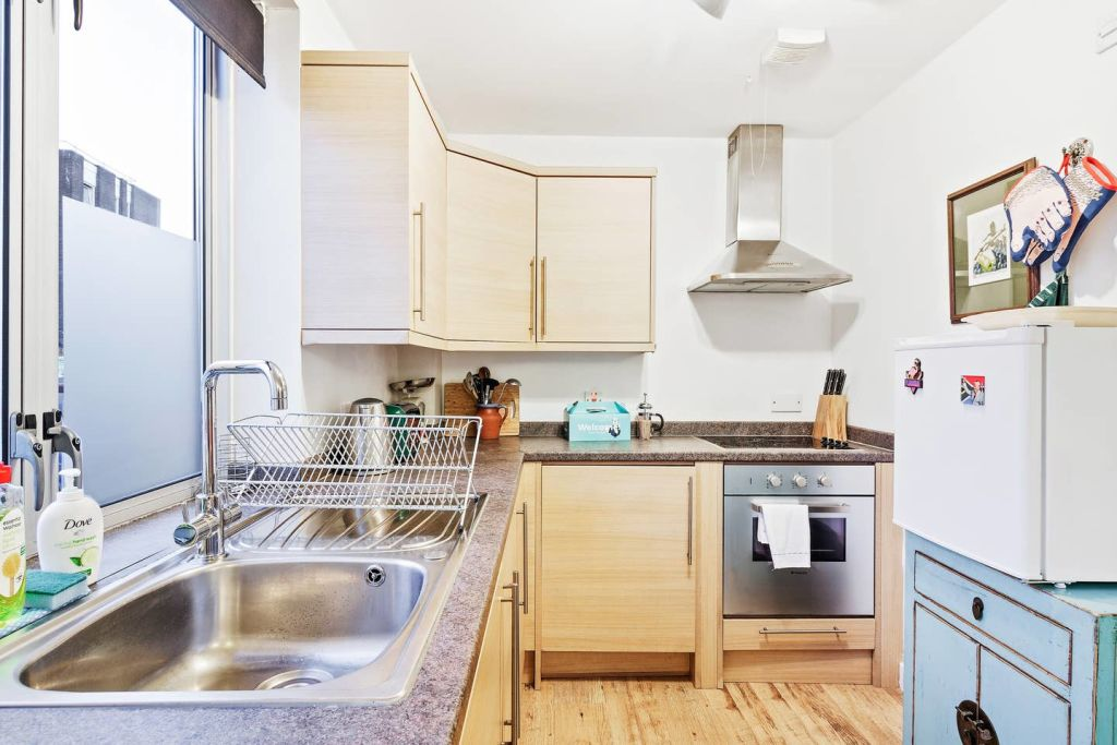 image 9 furnished 1 bedroom Apartment for rent in Stratford, Newham