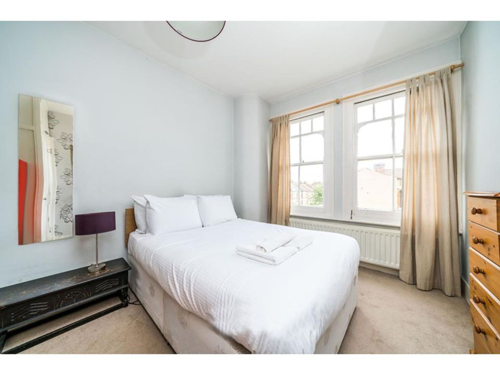 image 8 furnished 2 bedroom Apartment for rent in Lambeth, Lambeth