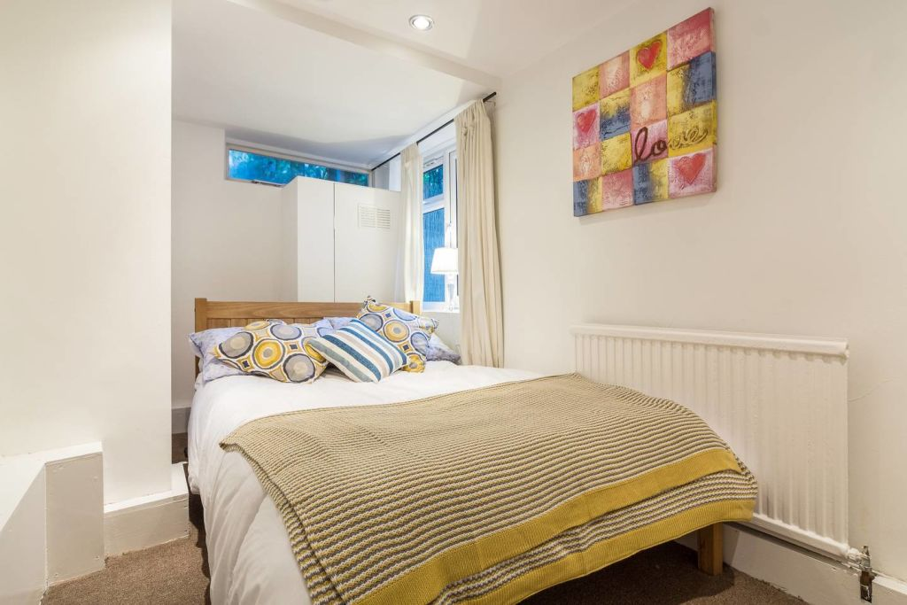 image 2 furnished 2 bedroom Apartment for rent in Hackney Downs, Hackney