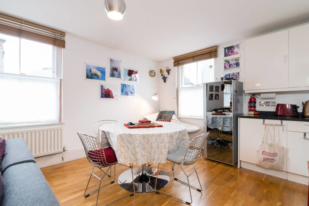 image 6 furnished 2 bedroom Apartment for rent in Lambeth, Lambeth