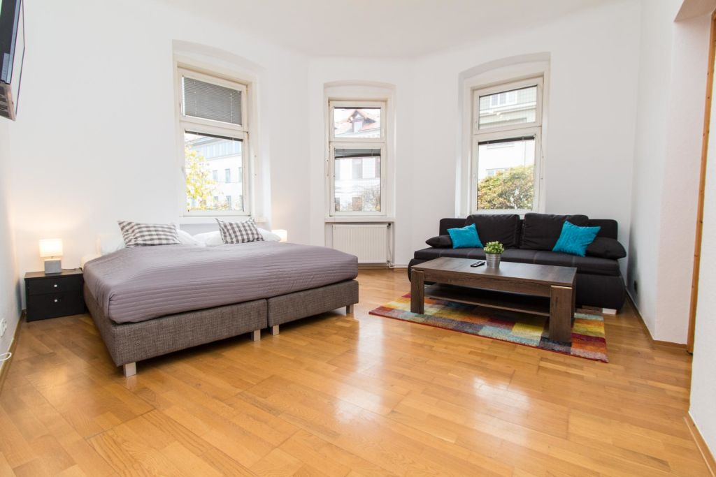 image 1 furnished 3 bedroom Apartment for rent in Ottakring, Vienna