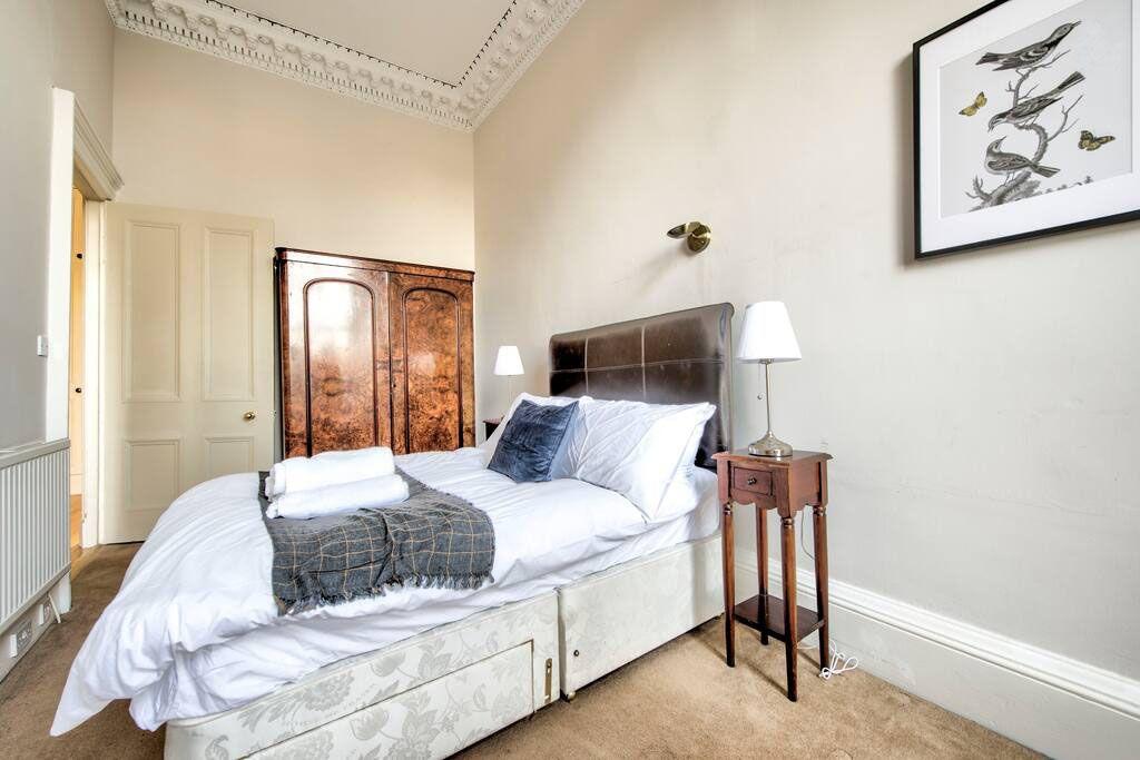 image 9 furnished 2 bedroom Apartment for rent in Edinburgh, Scotland