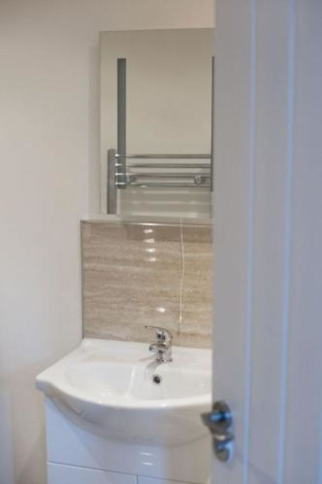 image 3 furnished 2 bedroom Apartment for rent in Kingston upon Hull, East Riding