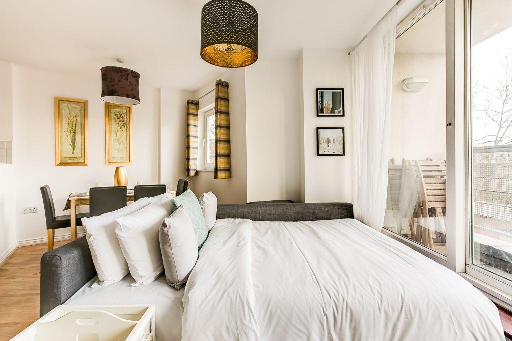 image 2 furnished 1 bedroom Apartment for rent in Hackney Central, Hackney