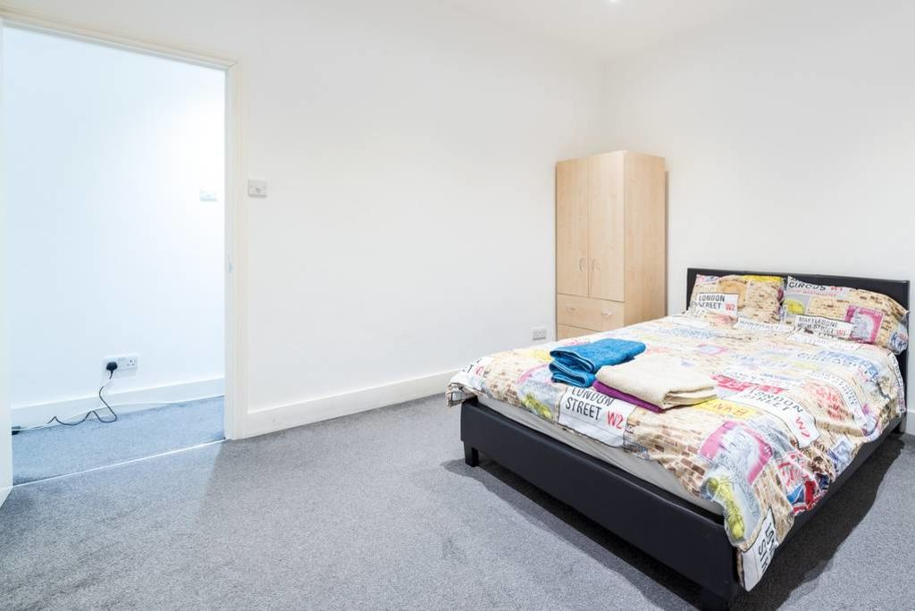 image 6 furnished 1 bedroom Apartment for rent in Walworth, Southwark