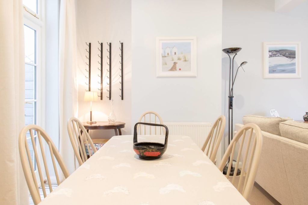 image 4 furnished 3 bedroom Apartment for rent in Cricklewood, Barnet