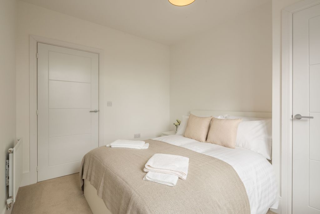 image 3 furnished 2 bedroom Apartment for rent in East Hertfordshire, Hertfordshire