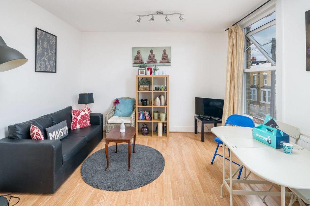 image 3 furnished 1 bedroom Apartment for rent in Hackney Downs, Hackney