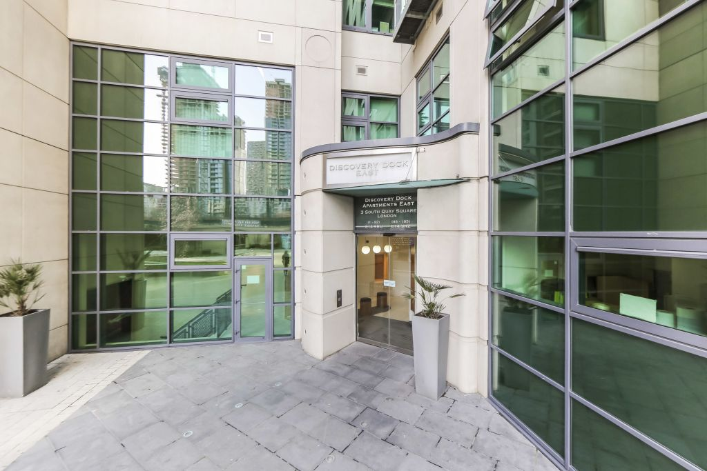 image 1 furnished 2 bedroom Apartment for rent in Canary Wharf, Tower Hamlets