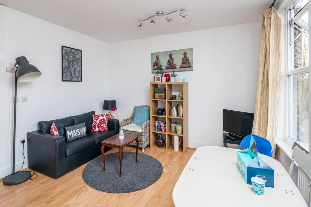 image 2 furnished 1 bedroom Apartment for rent in Hackney Downs, Hackney