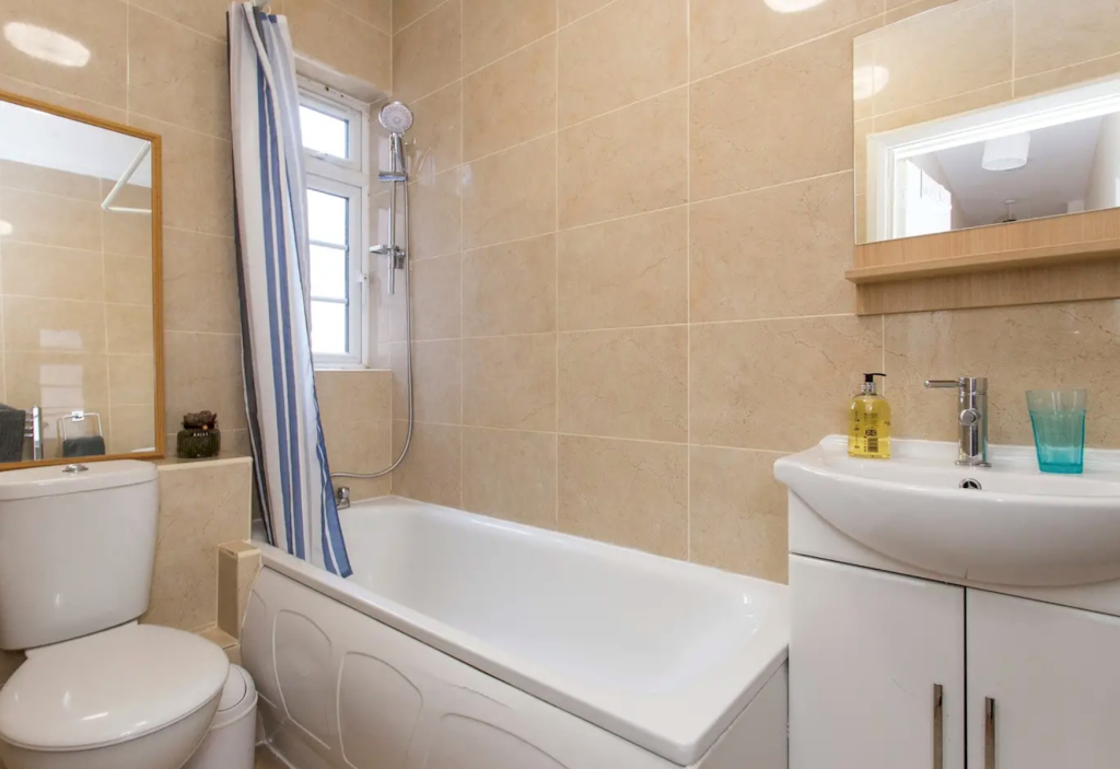 image 10 furnished 1 bedroom Apartment for rent in Little Venice, City of Westminster