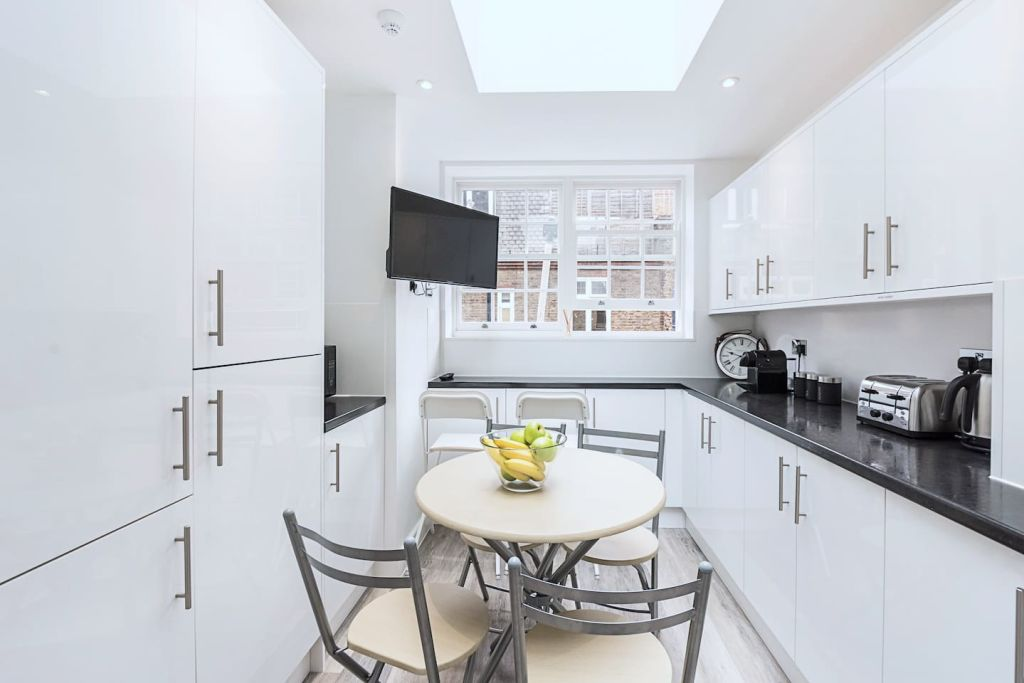 image 6 furnished 1 bedroom Apartment for rent in Spitalfields, Tower Hamlets