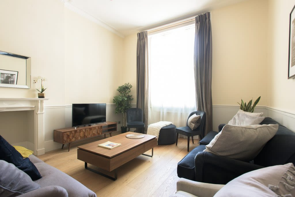 image 3 furnished 4 bedroom Apartment for rent in Westminster, City of Westminster