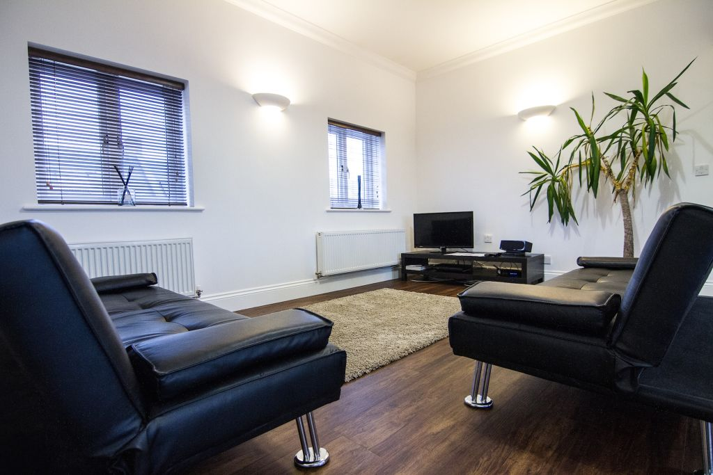 image 2 furnished 1 bedroom Apartment for rent in Upton, Bexley