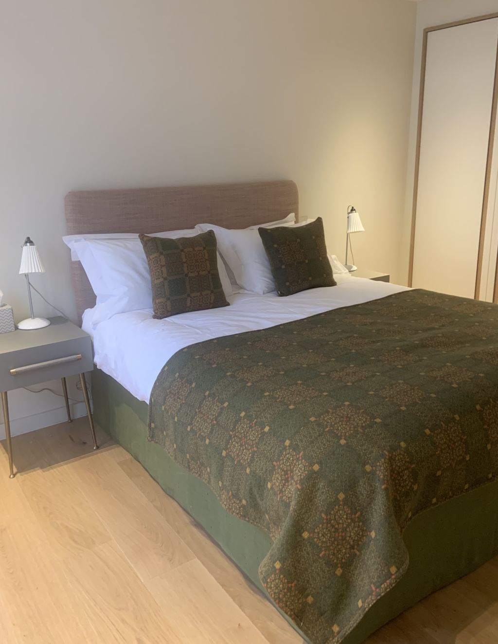 image 10 furnished 3 bedroom Apartment for rent in Earls Court, Kensington Chelsea