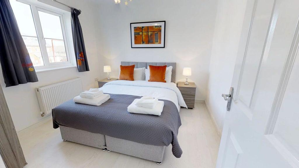 image 5 furnished 3 bedroom Apartment for rent in Welwyn Hatfield, Hertfordshire