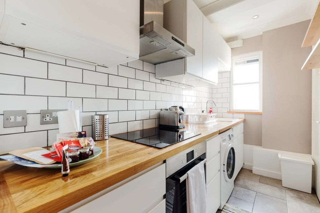 image 5 furnished 1 bedroom Apartment for rent in Newington, Southwark
