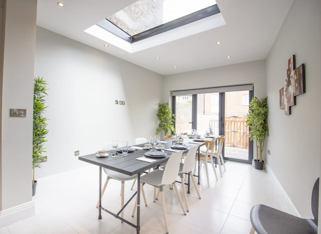 image 6 furnished 4 bedroom Apartment for rent in City of York, North Yorkshire