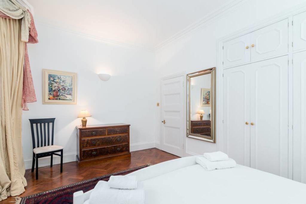 image 8 furnished 1 bedroom Apartment for rent in Kensington, Kensington Chelsea