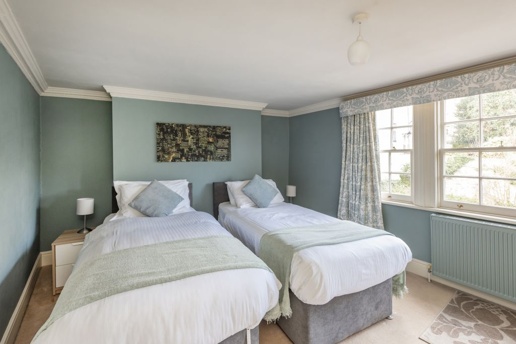 image 5 furnished 2 bedroom Apartment for rent in South Wimbledon, Merton