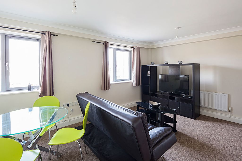 image 4 furnished 2 bedroom Apartment for rent in Medway, Kent
