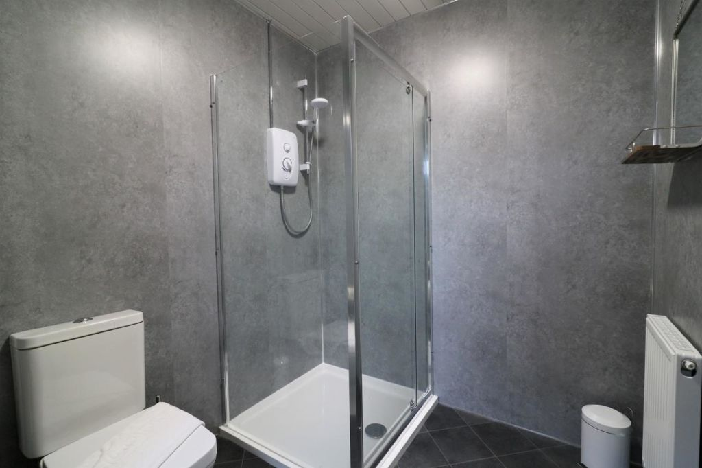 image 9 furnished 4 bedroom Apartment for rent in Glasgow, Scotland