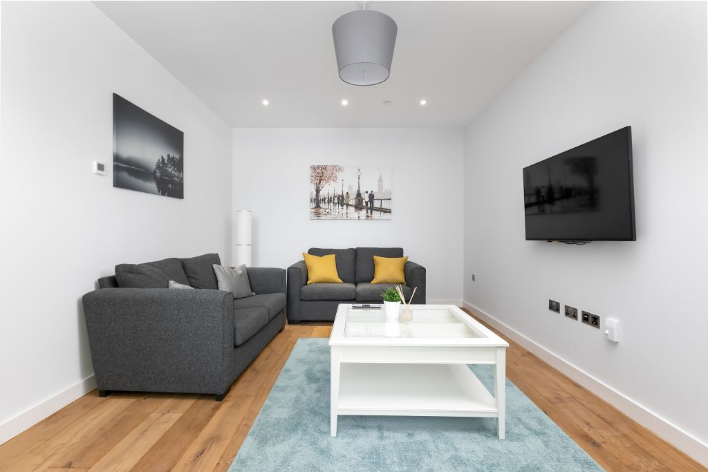 image 6 furnished 3 bedroom Apartment for rent in Greenwich, Greenwich