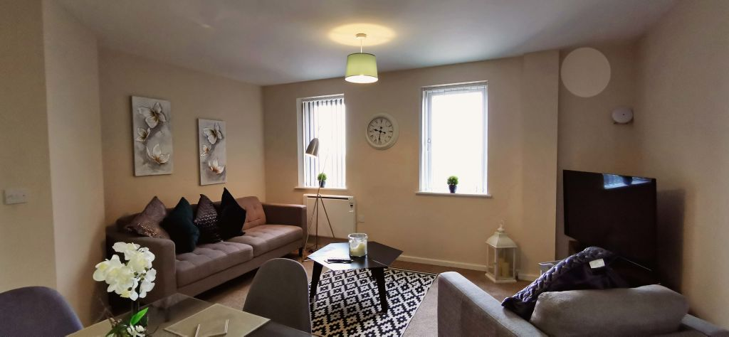 image 2 furnished 2 bedroom Apartment for rent in Longford, Hillingdon
