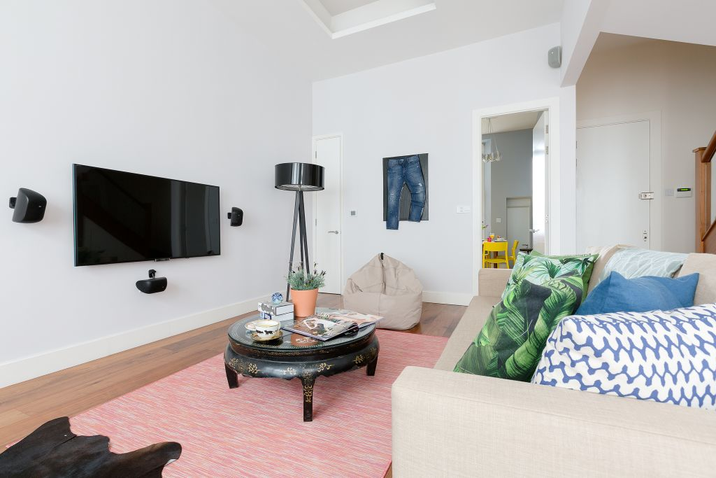 image 4 furnished 3 bedroom Apartment for rent in Kensington, Kensington Chelsea