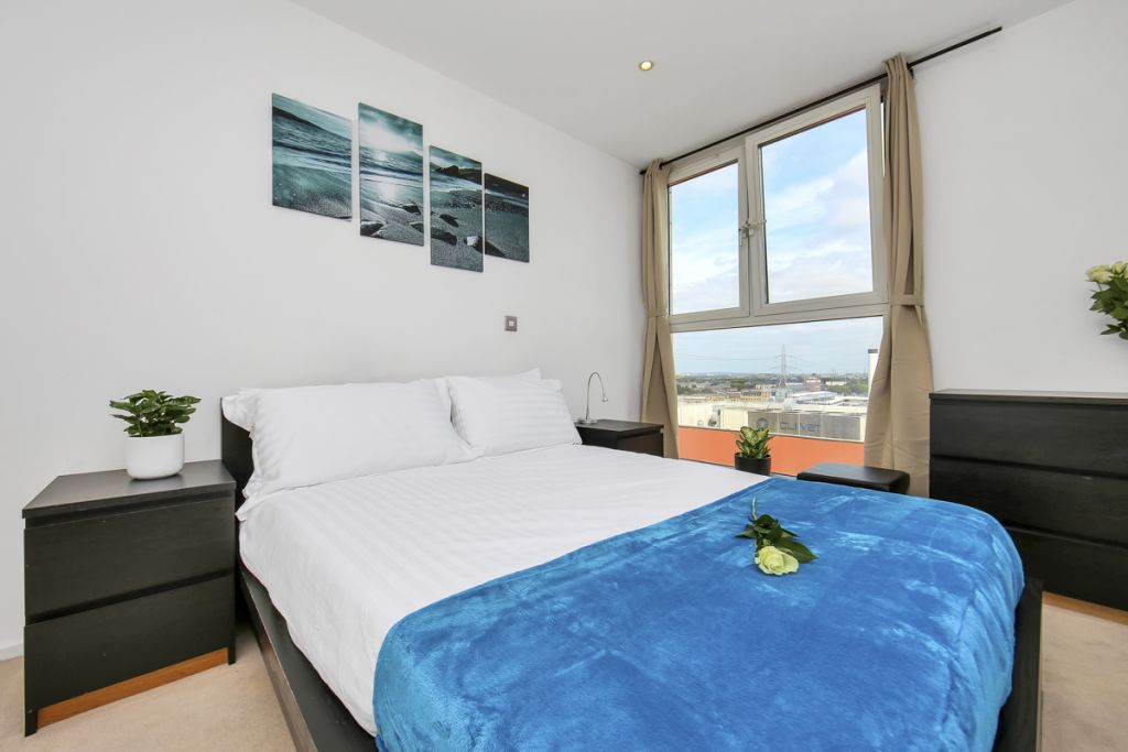 image 7 furnished 1 bedroom Apartment for rent in Canning Town, Newham