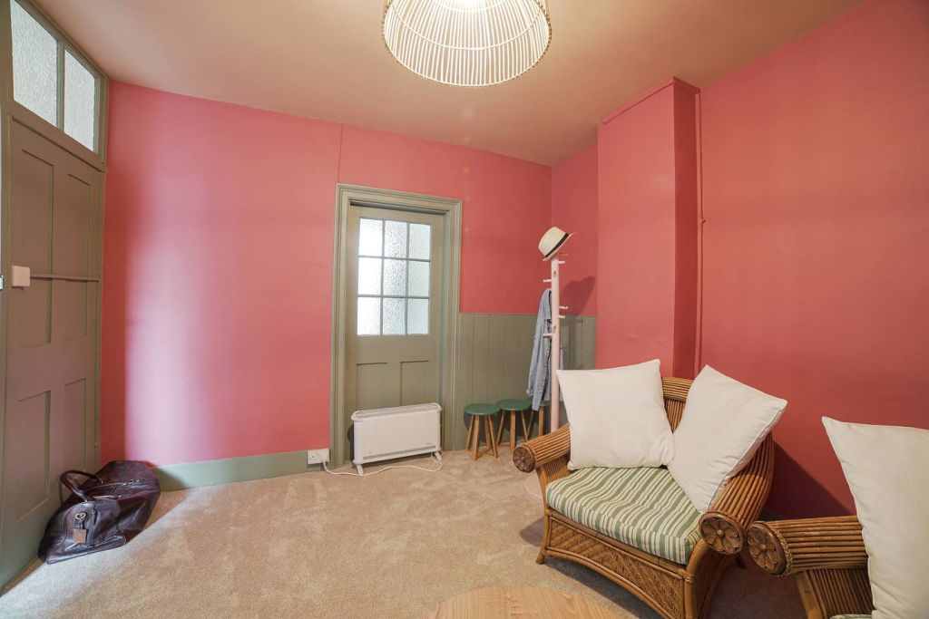 image 2 furnished 4 bedroom Apartment for rent in Greenwich, Greenwich