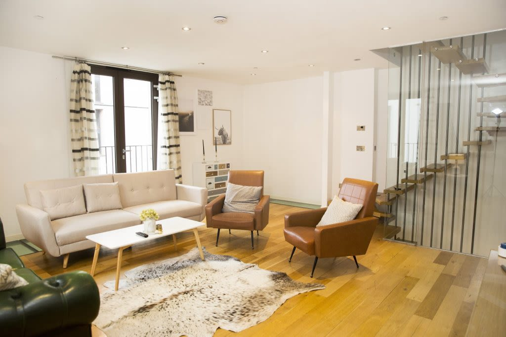 image 1 furnished 3 bedroom Apartment for rent in Covent Garden, City of Westminster