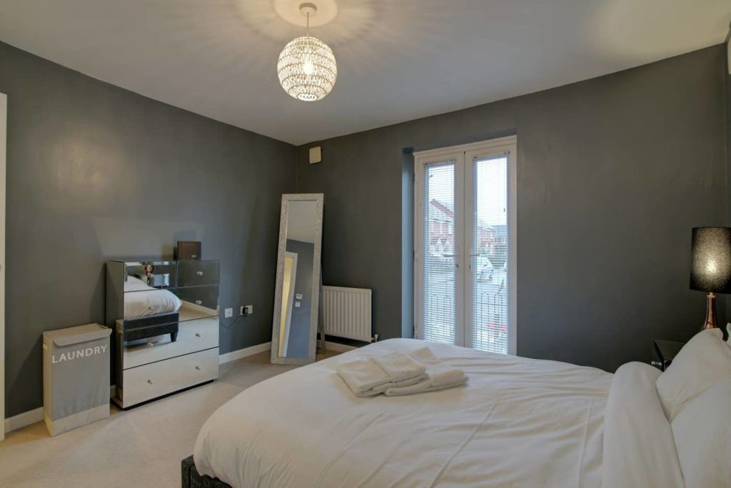 image 7 furnished 2 bedroom Apartment for rent in Moston, Manchester