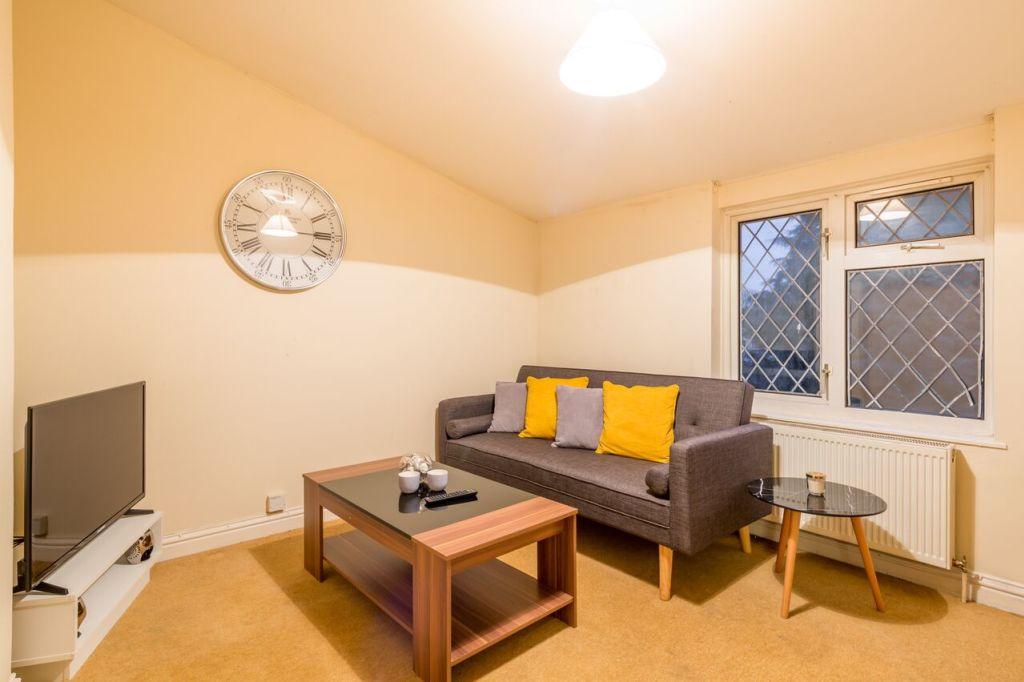 image 5 furnished 1 bedroom Apartment for rent in Stevenage, Hertfordshire