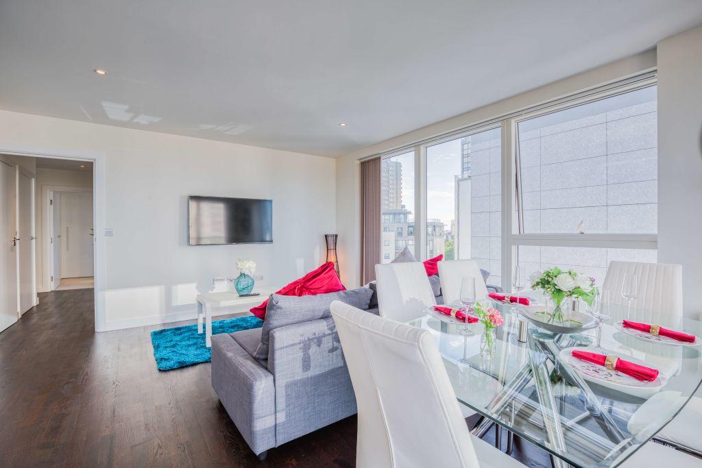 image 4 furnished 2 bedroom Apartment for rent in Brentford, Hounslow