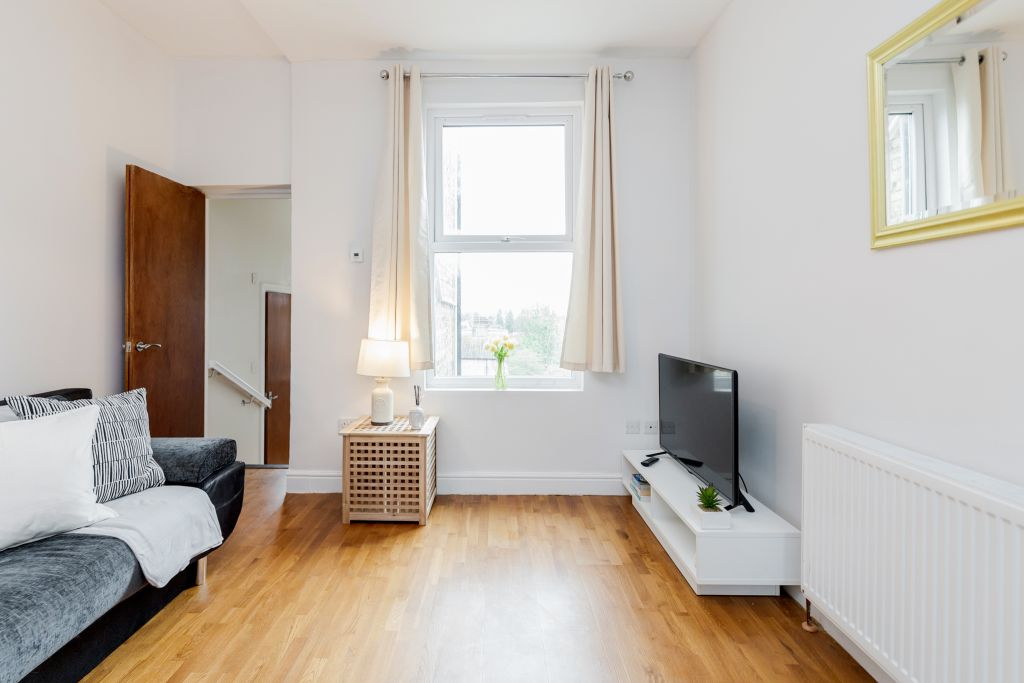 image 5 furnished 2 bedroom Apartment for rent in Wandsworth, Wandsworth