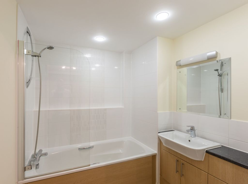 image 3 furnished 1 bedroom Apartment for rent in Basingstoke and Deane, Hampshire