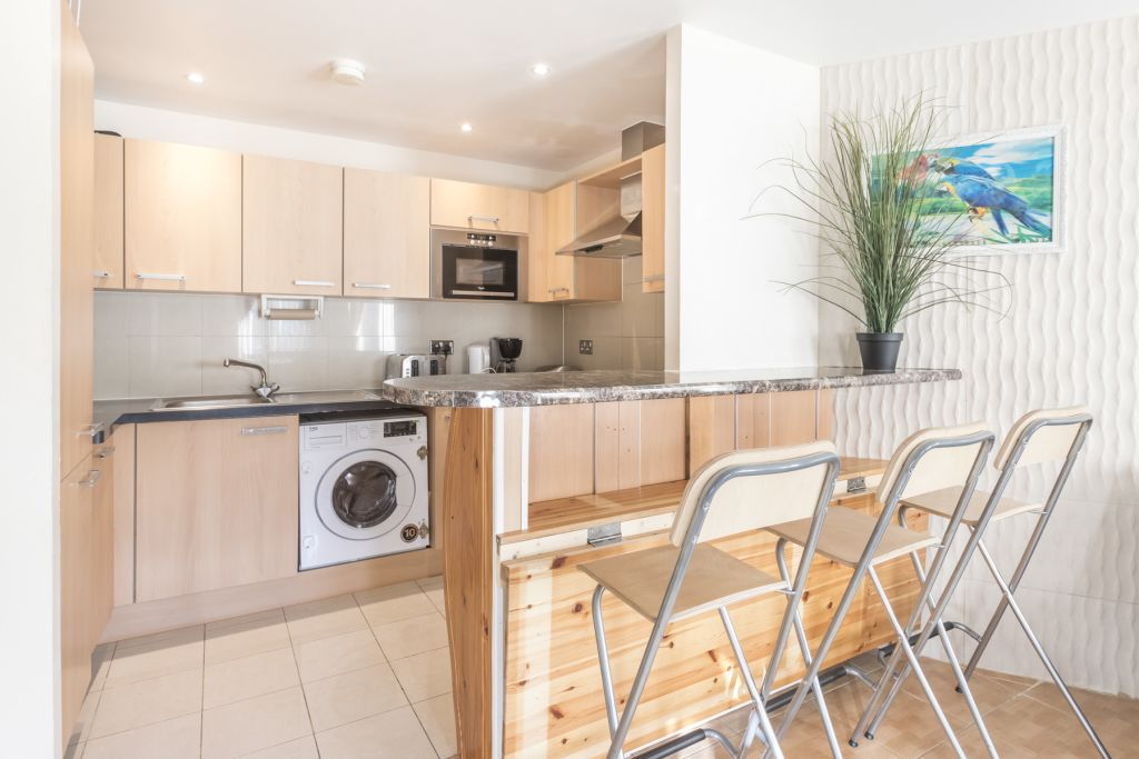 image 8 furnished 1 bedroom Apartment for rent in Colindale, Barnet
