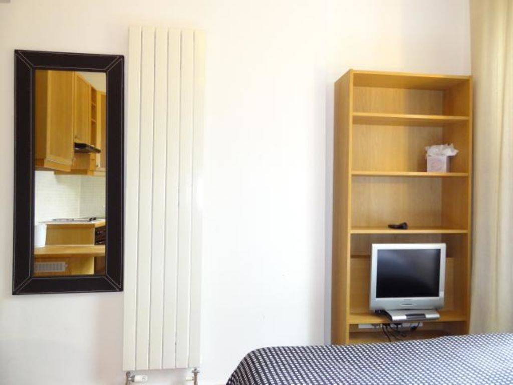 image 3 furnished 1 bedroom Apartment for rent in Kings Cross, Camden