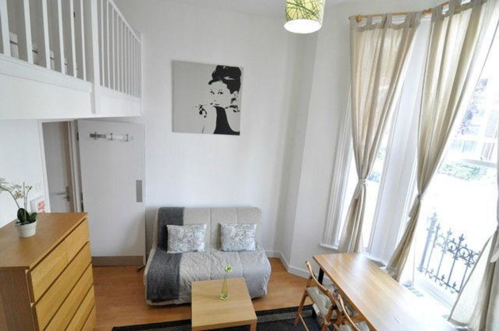 image 2 furnished 1 bedroom Apartment for rent in North End, Bexley