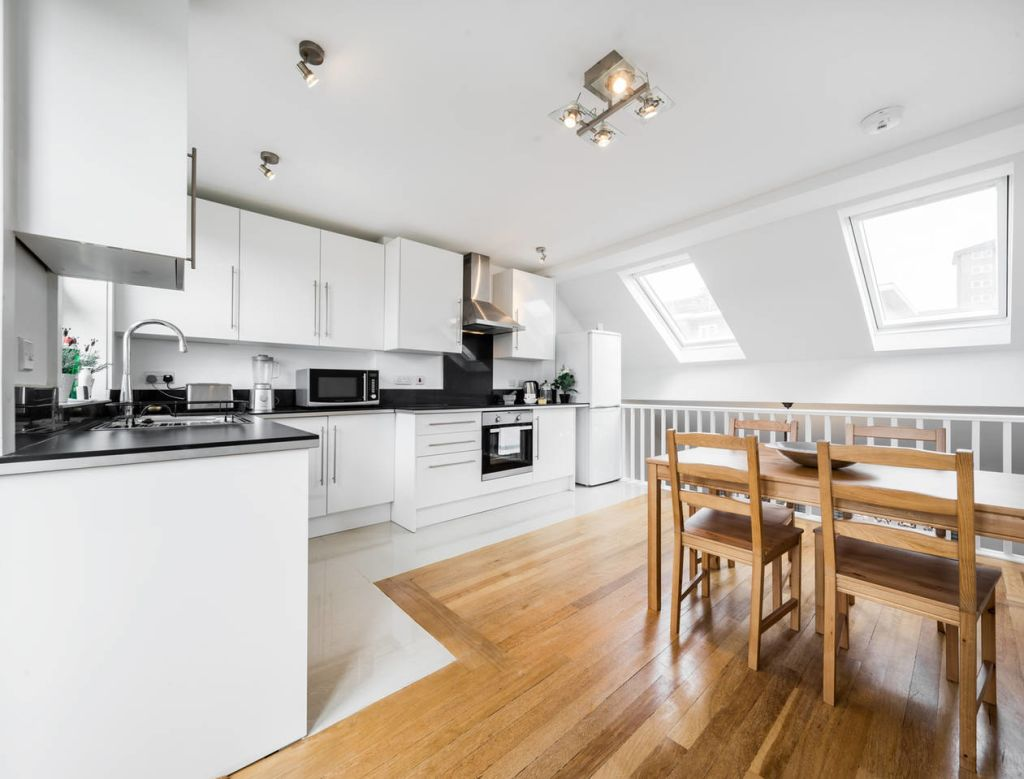 image 4 furnished 2 bedroom Apartment for rent in Stockwell, Lambeth