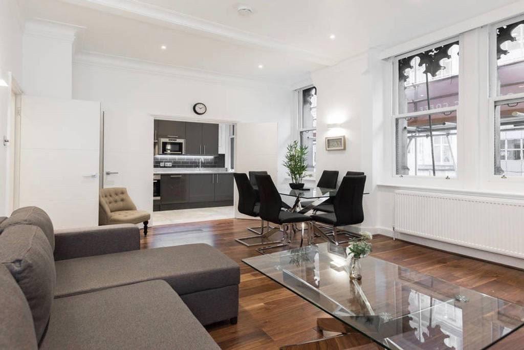 image 1 furnished 2 bedroom Apartment for rent in Castle Baynard, City of London