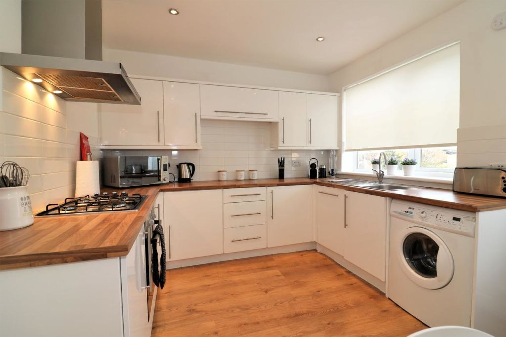 image 5 furnished 3 bedroom Apartment for rent in Victoria Park, Manchester