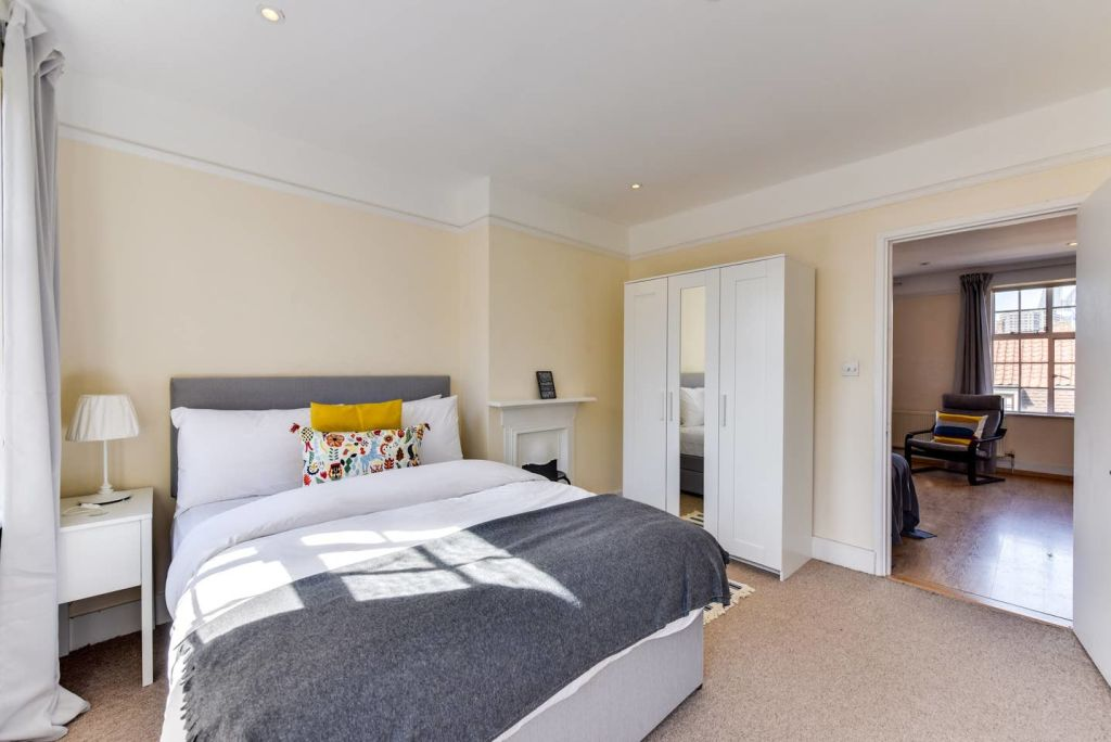 image 10 furnished 1 bedroom Apartment for rent in Whitechapel, Tower Hamlets